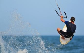 Letovisko Mui Ne - pláže a kitesurfing